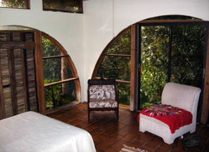 weekly vacation rental Luquillo mountains downstairs bedroom